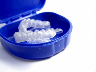 teeth whitening trays in blue case